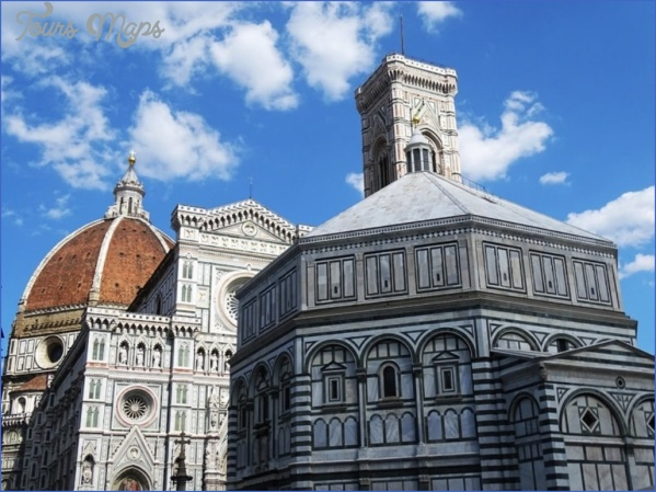 Piazza-del-Duomo-in-Florence-min.jpg