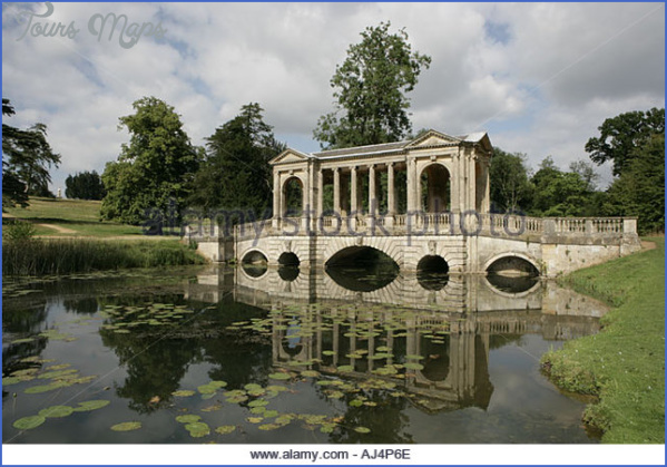 the fine palladian bridge in the ground of stowe park estate aj4p6e PALLADIAN BRIDGE MAP