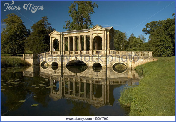 the palladian bridge at stowe landscape gardens buckinghamshire landscape b3y79c PALLADIAN BRIDGE MAP