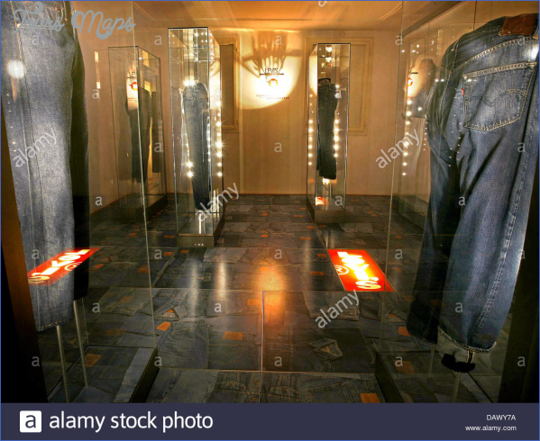 the picture shows the exhibition at levi strauss museum in buttenheim dawy7a STRAUSS MUSEUM