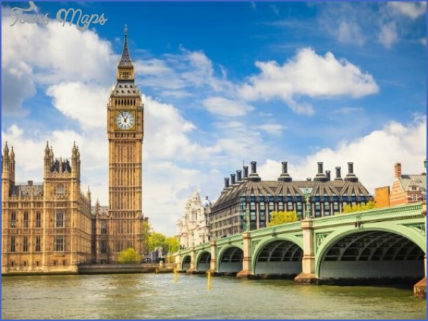 london accommodation options 560x420 How to Spice up your London Trip while on a Budget