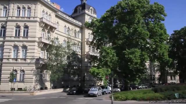 bathing in budapest hungary 10 BUDAPEST Hungary
