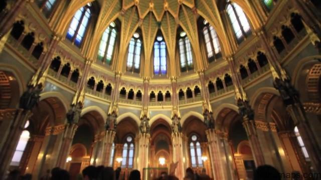 bathing in budapest hungary 29 BUDAPEST Hungary