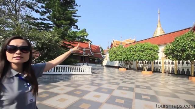 chomping on crickets chiang rai thailand 07 Chiang Rai Thailand