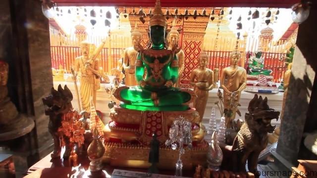 chomping on crickets chiang rai thailand 08 Chiang Rai Thailand