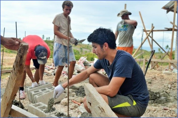 disaster relief building 800 Working Holidays Volunteering And Studying Abroad