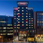 hx hotelexteriornight 2 425x303 fittoboxsmalldimension center 150x150 MY HOTEL NIGHT TIME ROUTINE