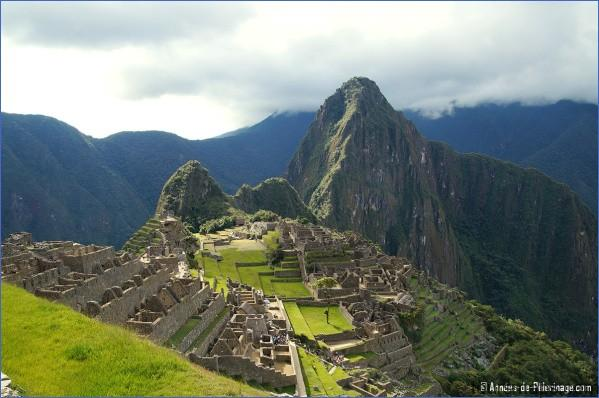 iconic view of machu picchu peru MACHU PICCHU YOU NEED TO SEE THIS PLACE BEFORE DIE