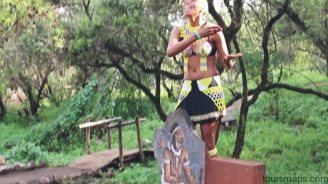 lion walks tiger feedings south africa 37 LION WALKS TIGER FEEDINGS South Africa