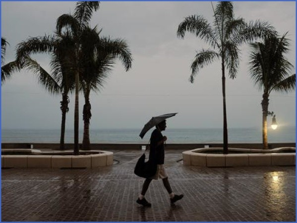 puerto vallarta rain wu003d300u0026hu003d225 WHAT TO DO WHEN IT RAINS ON VACATION
