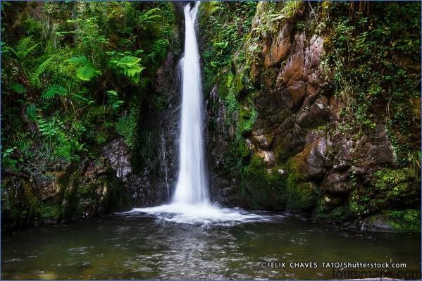singsing waterfall BACK IN BALI   WATERFALL IN A CAVE