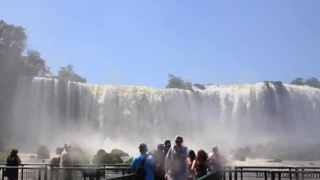 the devils throat iguassu falls brazil 21 Iguassu Falls Brazil