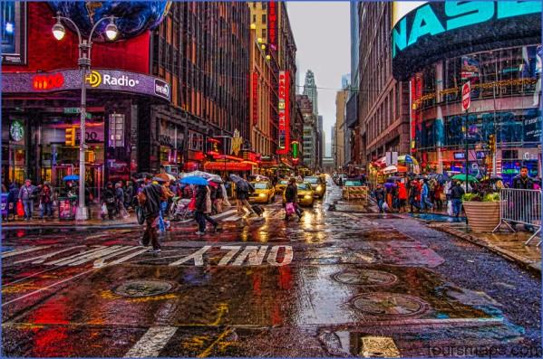times square in the rain A DAY in NEW YORK