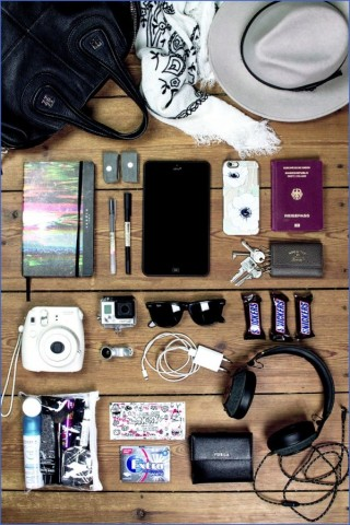 whats in my bag travel packing essentials 5 Whats in my Bag Travel Packing Essentials