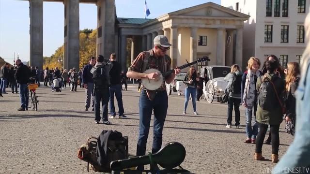 24 hours in berlin 060 24 HOURS IN BERLIN