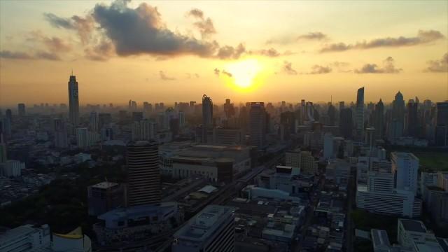 bangkok thailand songkran worlds largest watergun fight 02 BANGKOK THAILAND SONGKRAN WORLDS LARGEST WATERGUN FIGHT