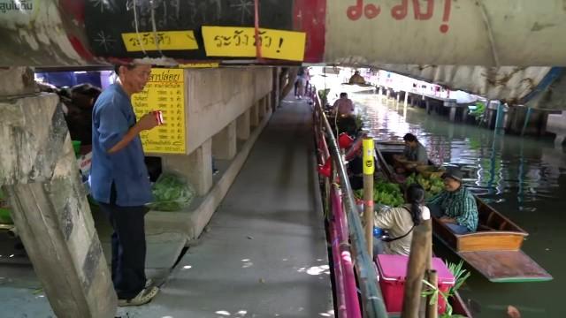 bangkok thailand songkran worlds largest watergun fight 15 BANGKOK THAILAND SONGKRAN WORLDS LARGEST WATERGUN FIGHT
