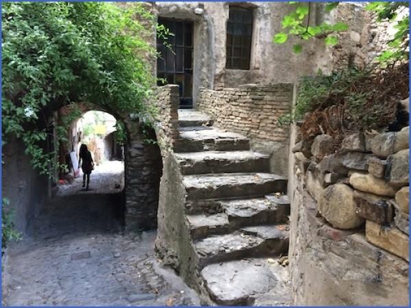 bussana vecchia charming small italian town 1 Bussana Vecchia   Charming Small Italian Town