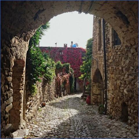 bussana vecchia charming small italian town 11 Bussana Vecchia   Charming Small Italian Town