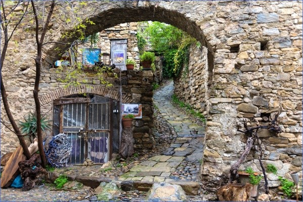 bussana vecchia charming small italian town 8 Bussana Vecchia   Charming Small Italian Town