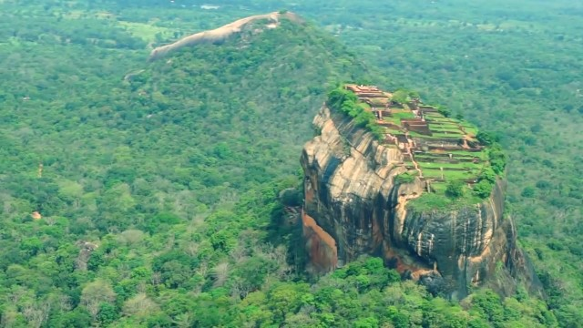 central sri lanka things to do in kandy sigiriya polonnaruwa tropical escape 1 26 Central Sri Lanka Things to do in Kandy Sigiriya Polonnaruwa Tropical