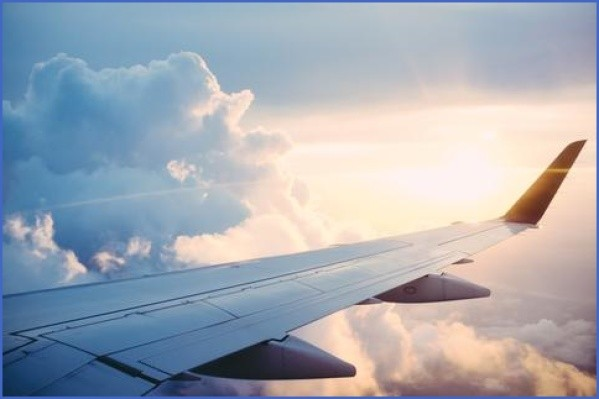 travel safety tips for flying 12 Travel Safety Tips For Flying