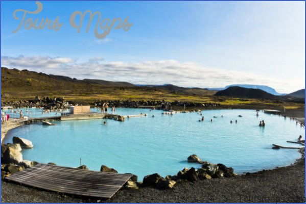 myvatn baths e1490639484502 585x390 6 Travel Destinations You Should Explore in 2018 for Some Real Adventure