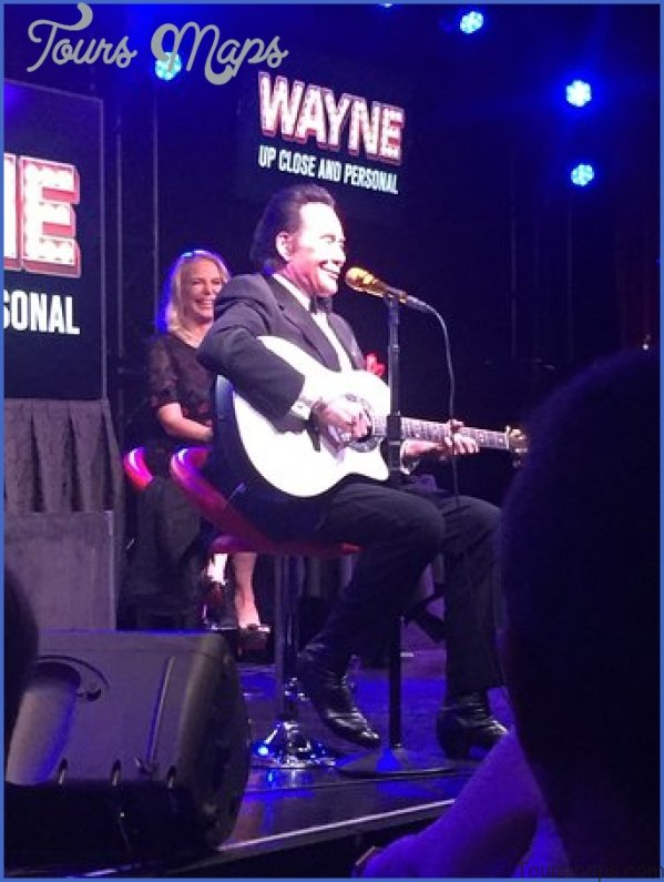 wayne newton up close and personal show in las vegas 3 Wayne Newton Up Close and Personal Show in Las Vegas