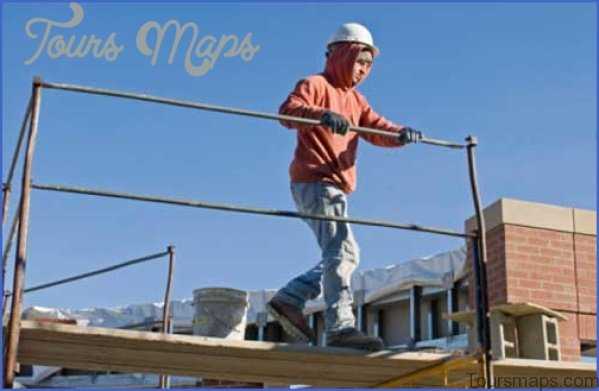 what you need to know about guardrails in construction 1 What You Need to Know About Guardrails in Construction