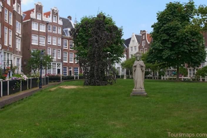 begijnhof 10 Top Tourist Attractions in Amsterdam