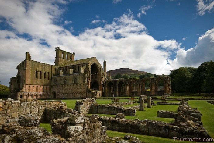 %name 10 Top Tourist Attractions in Scotland