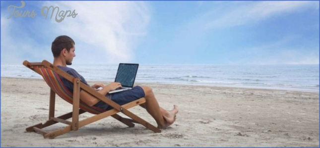 how to make money online while traveling 4 How To Make Money Online While Traveling