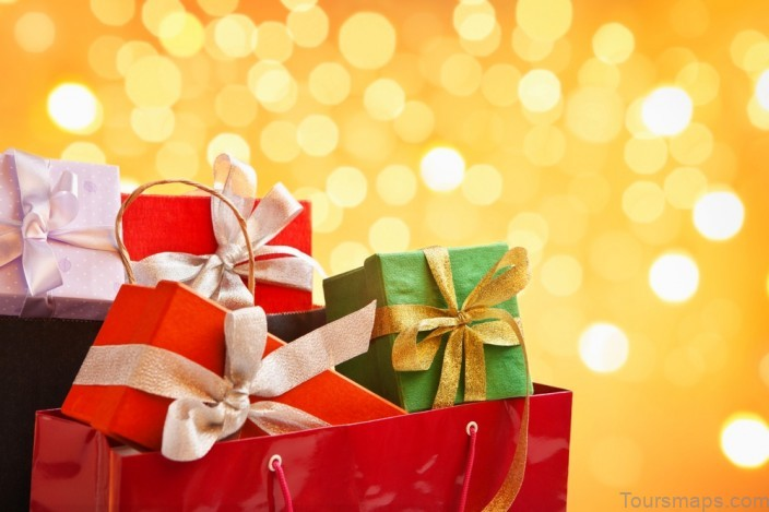2013s hottest holiday trends 2020'S HOTTEST HOLIDAY TRENDS