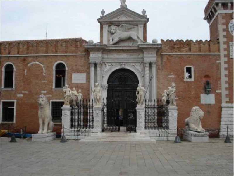 %name Venice Maps: Tourist Attractions, Streets, Subway