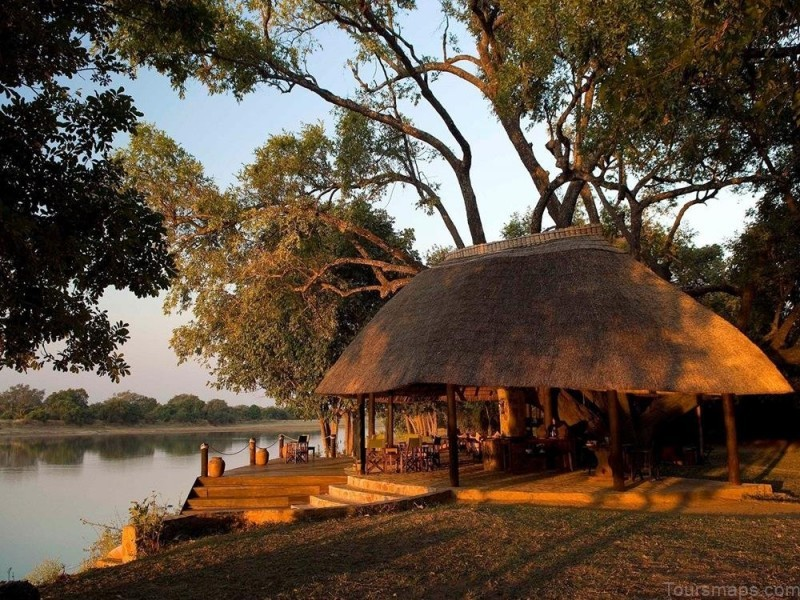 %name South Luangwa National Park Safari